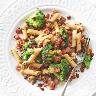 Truffelpenne Met Broccoli