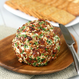 Bacon-Jalapeño Cheese Ball.