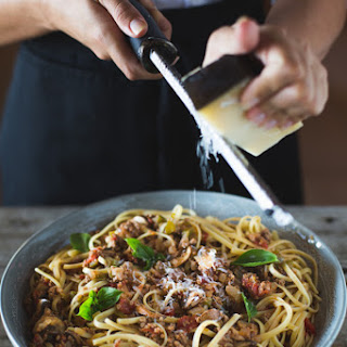 Comforting Spaghetti Bolognese with Mushrooms