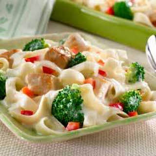 Chicken & Broccoli Alfredo .