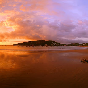 Sunset in San Juan del Sur by Siggy In Costa Rica - City,  Street & Park  Vistas ( san juan del sur, sunset, nicaragua, beach, panorama )