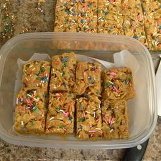 Peanut Butter Cornflake Crunch Bars.