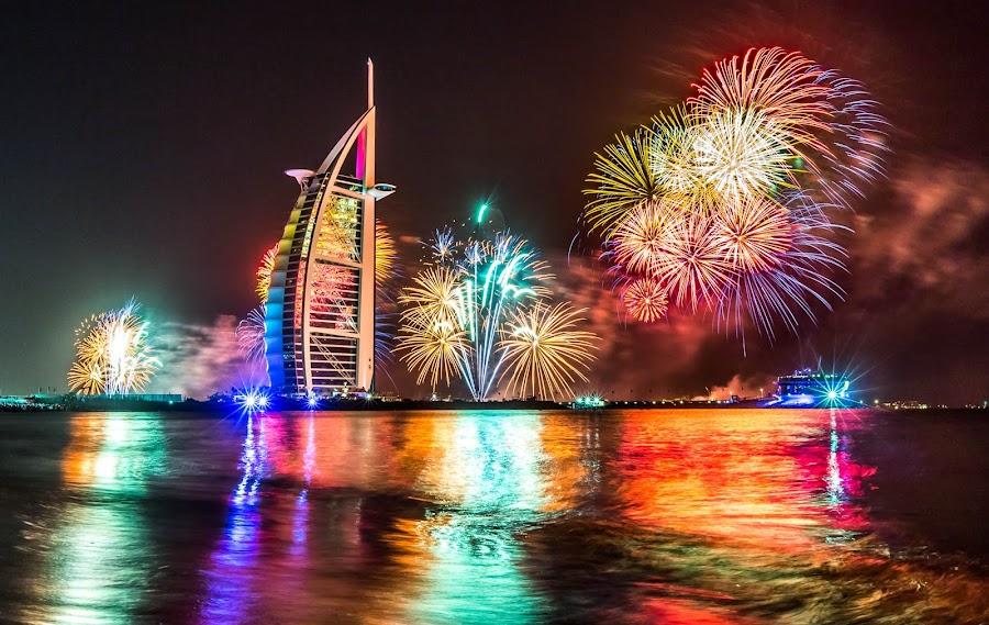 Fireworks at Burj Al Arab by Tony Wu - Public Holidays New Year's Eve