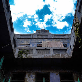 abondoned building by Madly Baangali - Buildings & Architecture Decaying & Abandoned ( abondoned, india, architecture, abandoned, building )