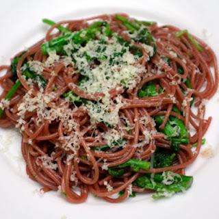 Zinfandel Spaghetti with Spicy Rapini