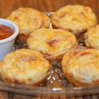 Pepperoni Pizza Muffins Recipe - Weight Watchers Swap It Challenge #2.
