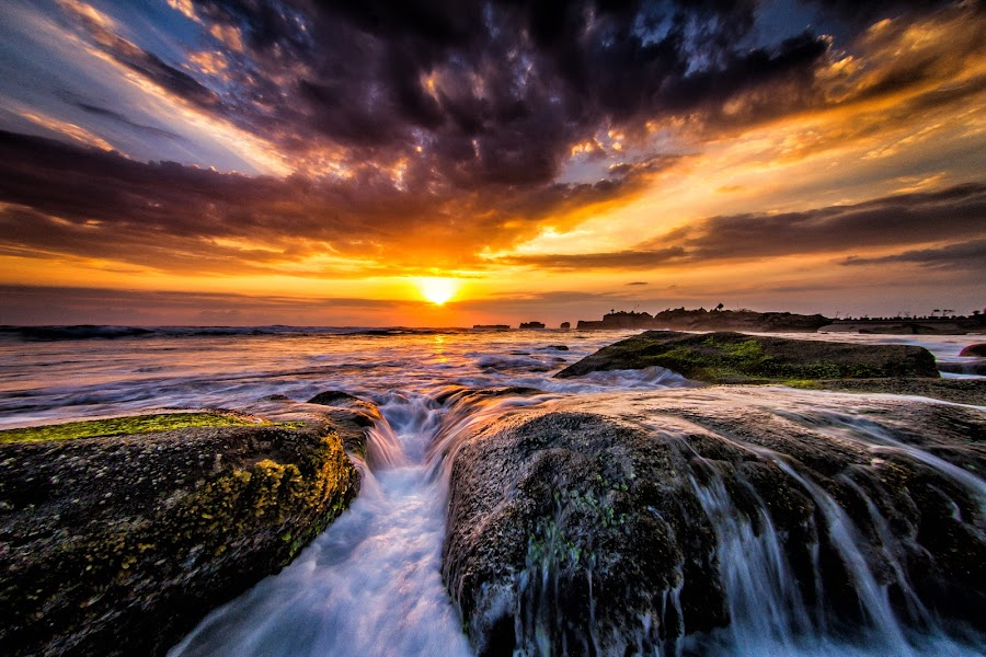 mengening beach by Ruzdhe Photo - Landscapes Sunsets & Sunrises ( #landscape#bali#coud#seabeach )