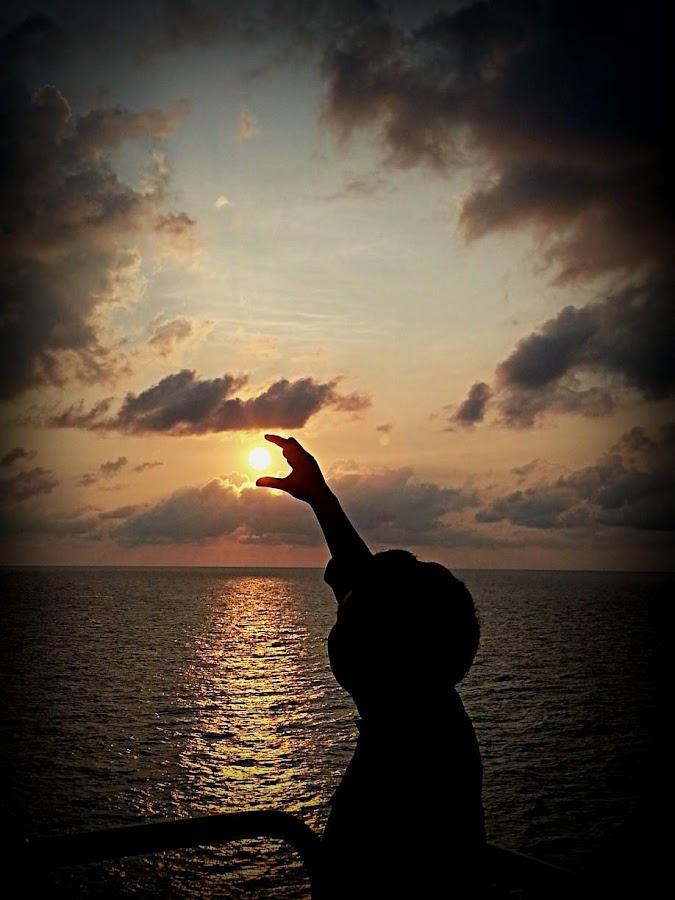 Tebak sunset or sunrise? by Hangga Pribadi - Instagram & Mobile Android