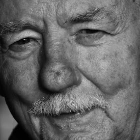The Face of Memories Lost by Jim Greene - Black & White Portraits & People ( b&w, family, protrait, people, alzheimer's, black and white, landscape )