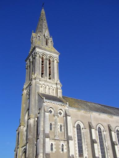photo de eglise St Aubin - LOUROUX-BÉCONNAIS -