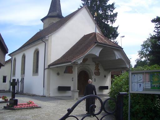 フリブール(スイス)のブルギヨンの聖母マリアの聖堂にて