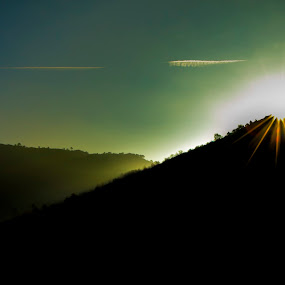 Raiar by Miguel García - Landscapes Mountains & Hills ( clouds, mountains, sky, sunset, landscapes, landscape, sun )