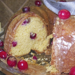 Cranberry Bundt Cake with Gingerbread Glaze