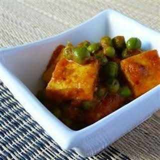 Indian Matar Paneer (Cottage Cheese and Peas).