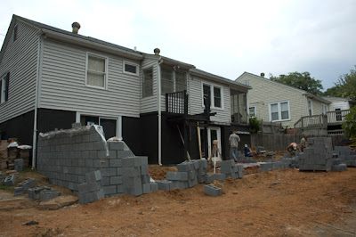 RC Jones Company Construction Woes Could Lead to a $100,000 mistake. My experience with the RC Jones Company of Greenville South Carolina: A review of experiences, promises, and contract issues.