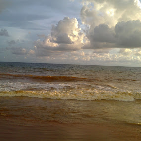 Clouds at Veli by Mayank Naharia - Landscapes Beaches ( water, lumia, cloud, kerala, beach, landscape )