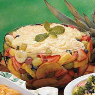 Pudding-Topped Fruit Salad.