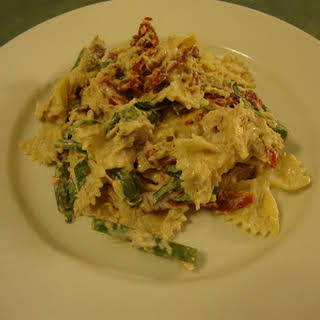 Creamy Chicken Pasta with Sun-Dried Tomatoes and Green Beans.