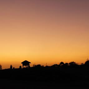 Langit pantai parangtritis lagi by Dayan Ramly - Novices Only Landscapes