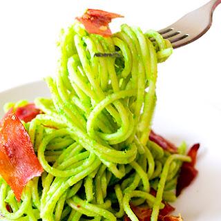 Spaghetti in Creamy Pea Sauce with Crisped Prosciutto