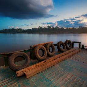 Senja dibatas Kota by Kosmas Fikie Aryadi - Landscapes Waterscapes ( indonesia tourism, indonesia, sunset, long exposure, travel, transportation, tire )