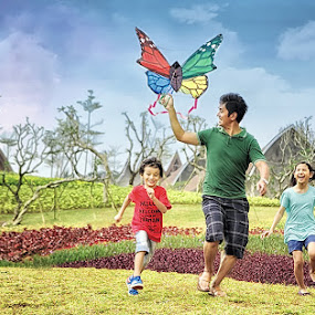 Fly Away by Widianto Didiet - People Family ( playing )
