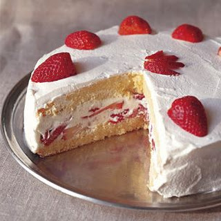 Strawberry Génoise with Whipped Cream