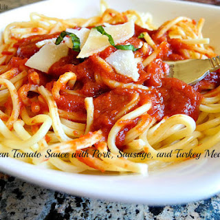 Italian Tomato Sauce With Pork, Sausage, & Turkey Meatballs