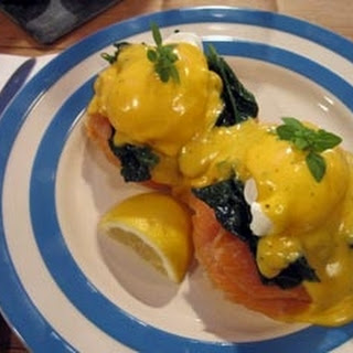 Eggs Benedict With Smoked Salmon And Spinach