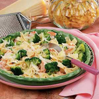 Broccoli Shrimp Pasta Toss