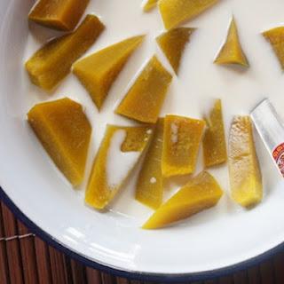 Pumpkin in Sweet Coconut Cream (Fak Thong Kaeng Buat)