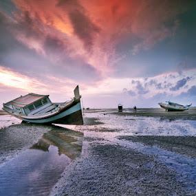 Kandas by Rawi Wie - Transportation Boats