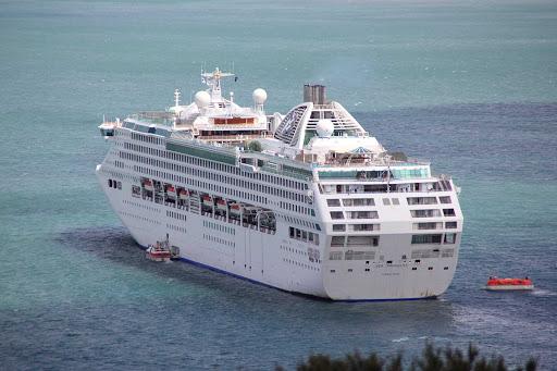 Sea-Princess-New-Zealand - Sea Princess in the Bay of Islands on the north island of New Zealand.