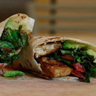 Kale Avocado Wraps With Spicy Miso-Dipped Tempeh [Vegan]