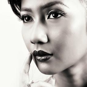 Ramona by CJ Cantos - Black & White Portraits & People ( glamour, portraiture, face, faces, lighting, portraits, women, portrait )
