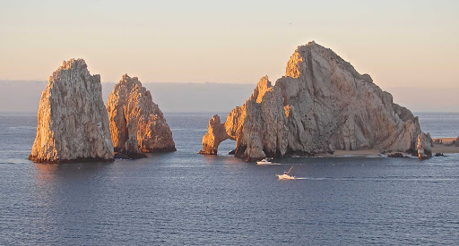 The famous rock arch of Cabo San Lucas, Mexico.