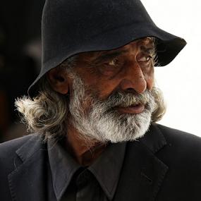 The patriarch by Fernando Alves Fotografia - People Portraits of Men