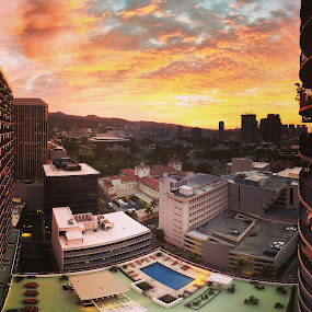 Sunrise over Honolulu by Aaron Gould - Instagram & Mobile iPhone (  )