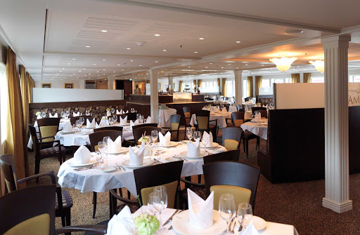 AmaLyra-Restaurant - Spend an evening with friends dining in AmaLyra's restaurant during your European river cruise.