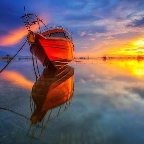 Boat Reflection by Bayu Adnyana - Transportation Boats ( bali, semawang, balilandscaper, balilandscape, sanur, transportation, boat,  )