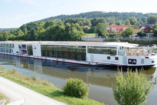 Viking-Bragi-Danube-canal - Viking Bragi in main Danube Canal, Plankstetten, Germany.