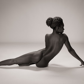 Faith Obae - studio nude by Barrie Spence - Nudes & Boudoir Artistic Nude ( faith obae, art nude, nude, pavilion photographic studio, teaching, female nude, studio nude )
