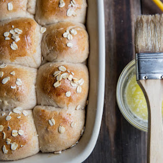 Honey Whole Grain Dinner Roll Recipe for Thanksgiving.