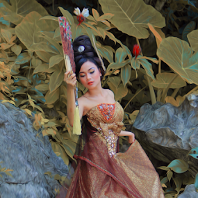 Putri Kipas by PriAs KHocaiy - People Fashion