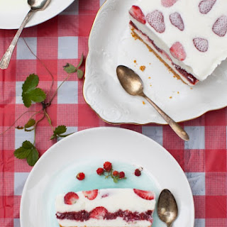 Srawberry Ice Cream Cake.