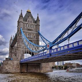 by Jose Figueiredo - Buildings & Architecture Bridges & Suspended Structures ( london, tower bridge, city, bridge,  )