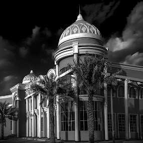 WH in Black by Nabeel Madarati - Black & White Buildings & Architecture