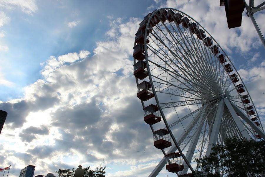 by Evan Halleck - City,  Street & Park  Amusement Parks
