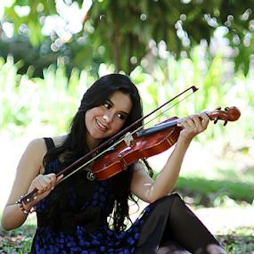lady violin by Dodi Yoga - People Portraits of Women ( deemozart )