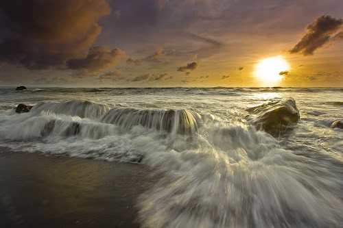 Another Side by Choky Ochtavian Watulingas - Landscapes Waterscapes ( water, sky, sunset, wave, cloud, seascape )